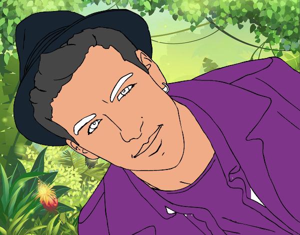Mario Casas con un cappello