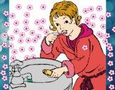 Bambino che si lava i denti
