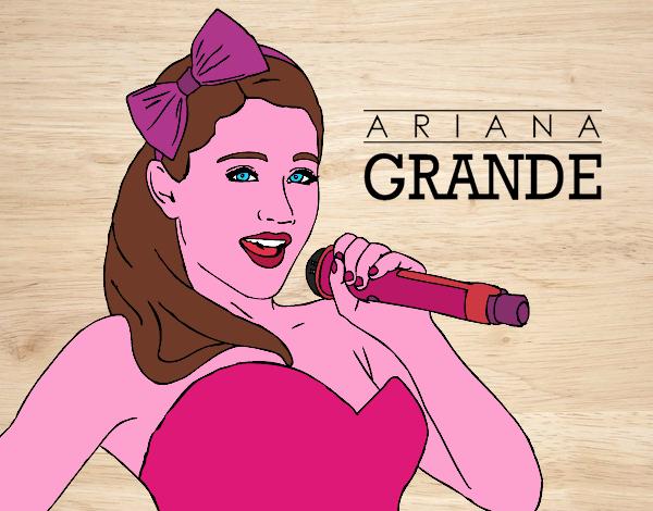Disegno Ariana Grande Cantando Colorato Da Utente Non Registrato Il