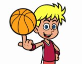Un giocatore di basket junior